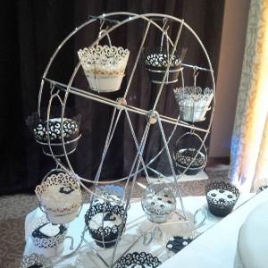 Carnival Fun - Cupcake Ferris Wheel